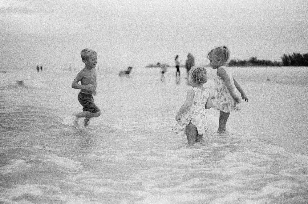 Beach-Sunset-Park-Kids-Leica-MA-11.jpg