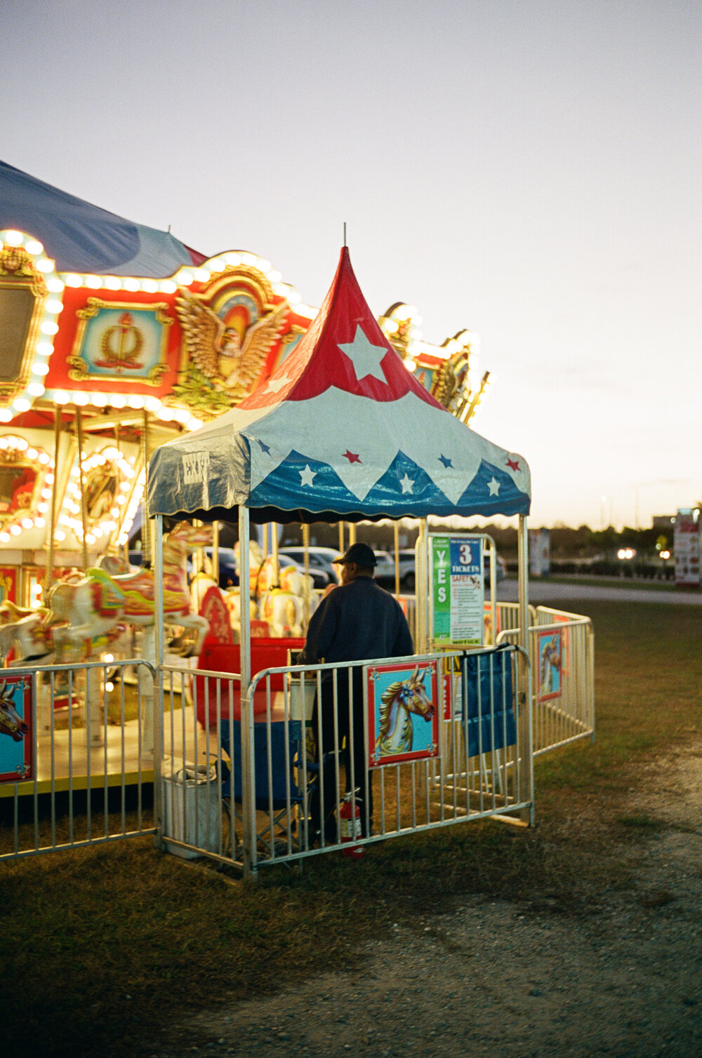 25-Sarasota-Carnival-Leica-M6-48.jpg