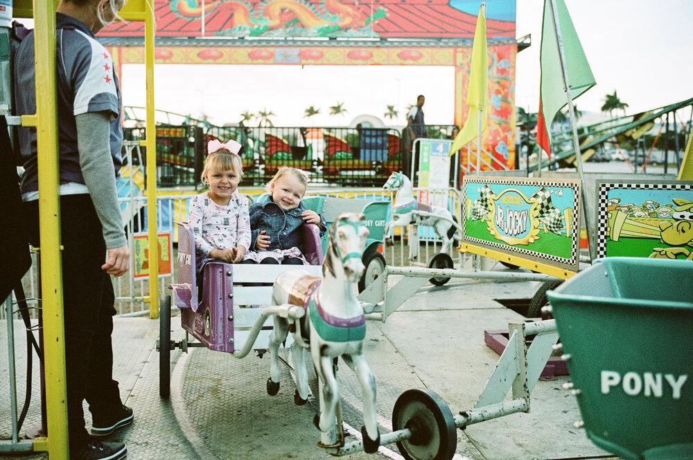 07-Sarasota-Carnival-Leica-M6-33.jpg