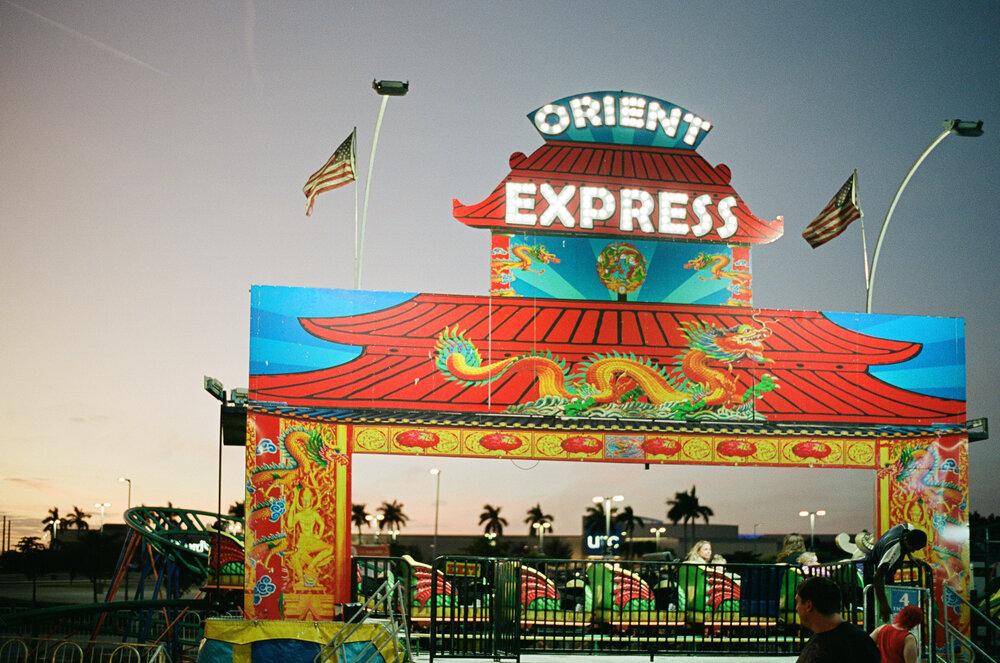 27-Sarasota-Carnival-Leica-M6-49.jpg