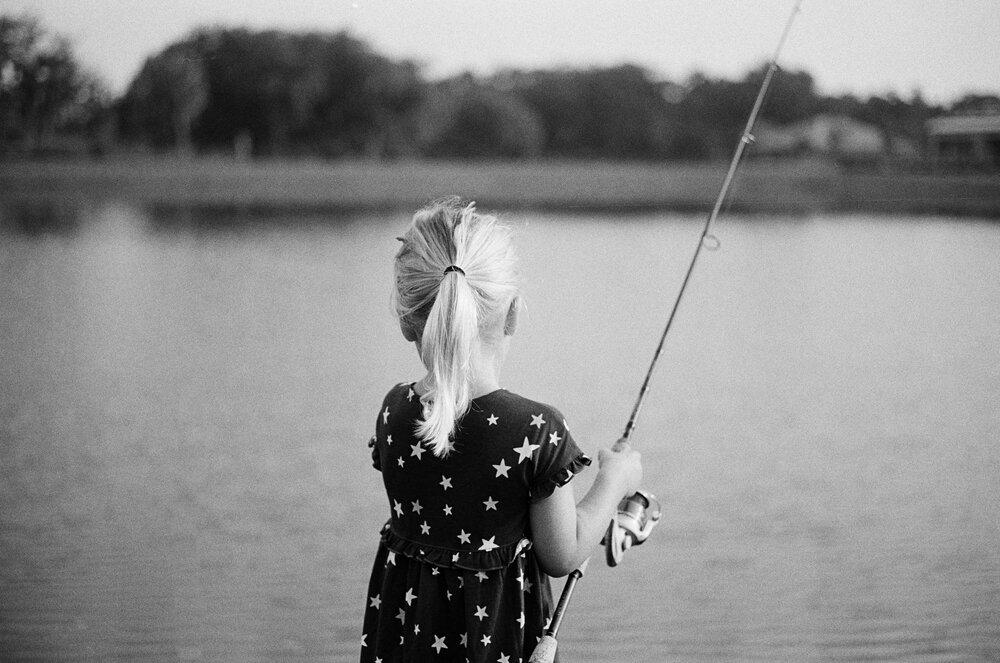Nature-Walk-Kids-CoVid-B&W-Leica-M-A-29.jpg