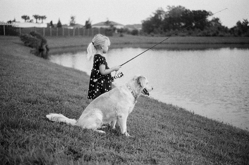 Nature-Walk-Kids-CoVid-B&W-Leica-M-A-35 1.jpg