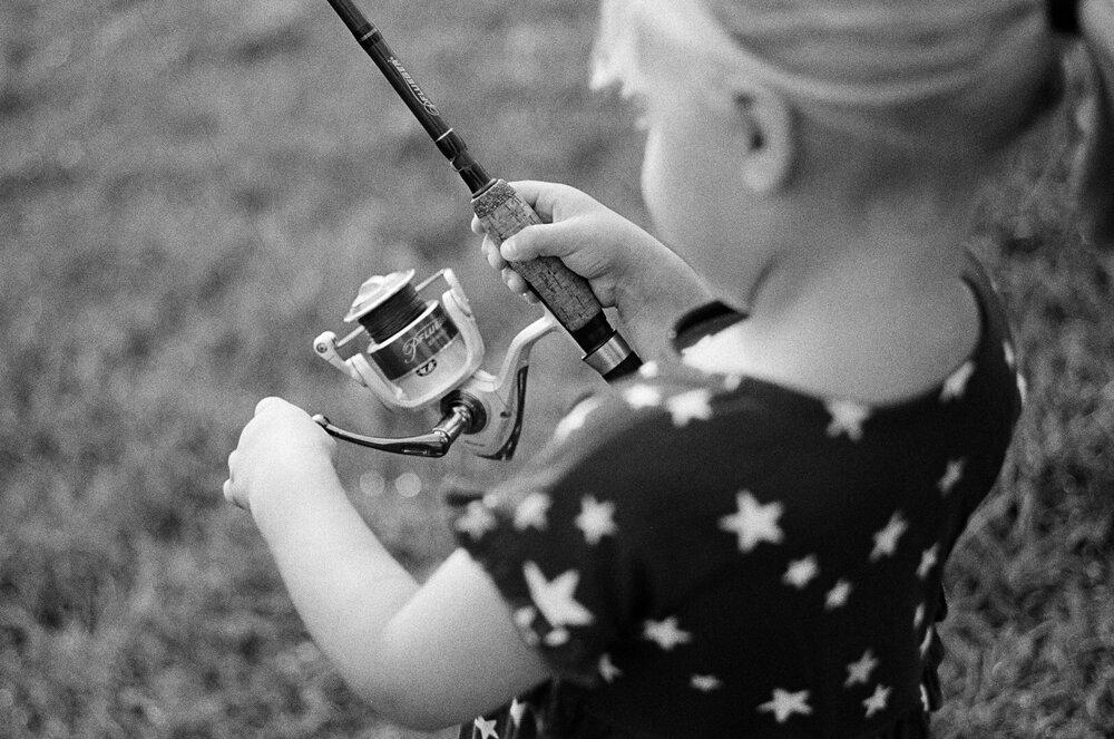 Nature-Walk-Kids-CoVid-B&W-Leica-M-A-32 2.jpg