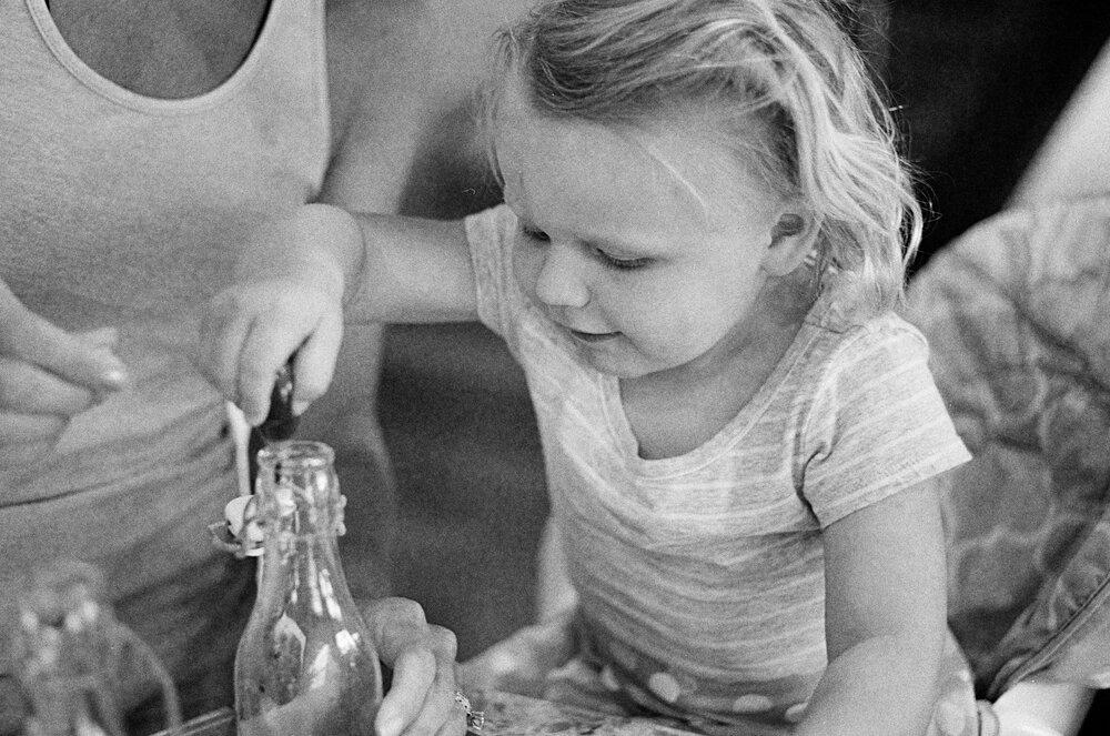 09-Leica-M-A-Kids-Chemistry-Ellie-Smiles-11.jpg