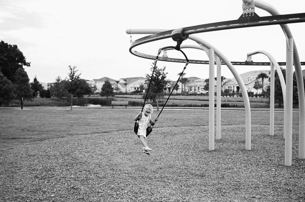 01-Leica-M-A-TMAX-Test-Kids-Park-Wendy-3.jpg