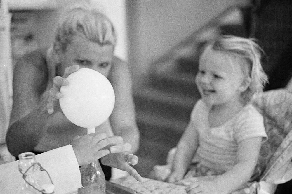 07-Leica-M-A-Kids-Chemistry-Ellie-Smiles-9.jpg