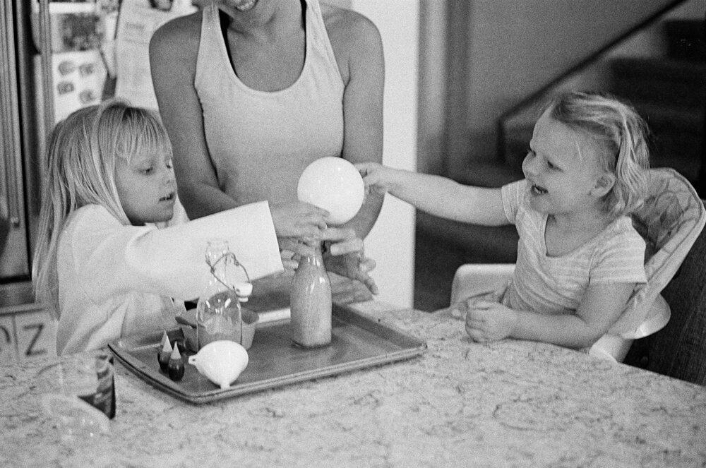 08-Leica-M-A-Kids-Chemistry-Ellie-Smiles-10.jpg