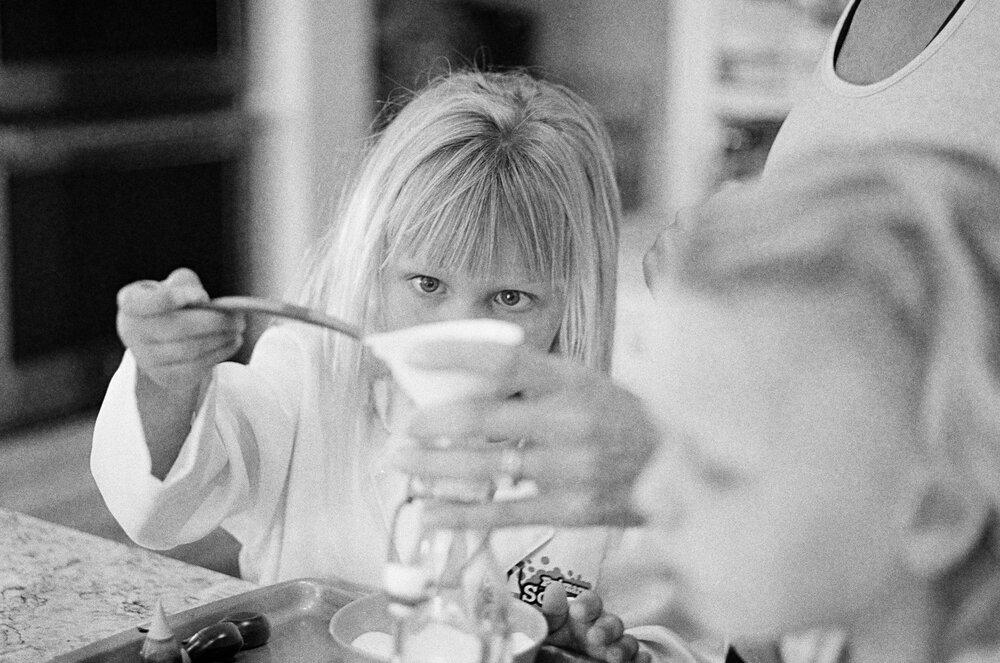 05-Leica-M-A-Kids-Chemistry-Ellie-Smiles-7.jpg